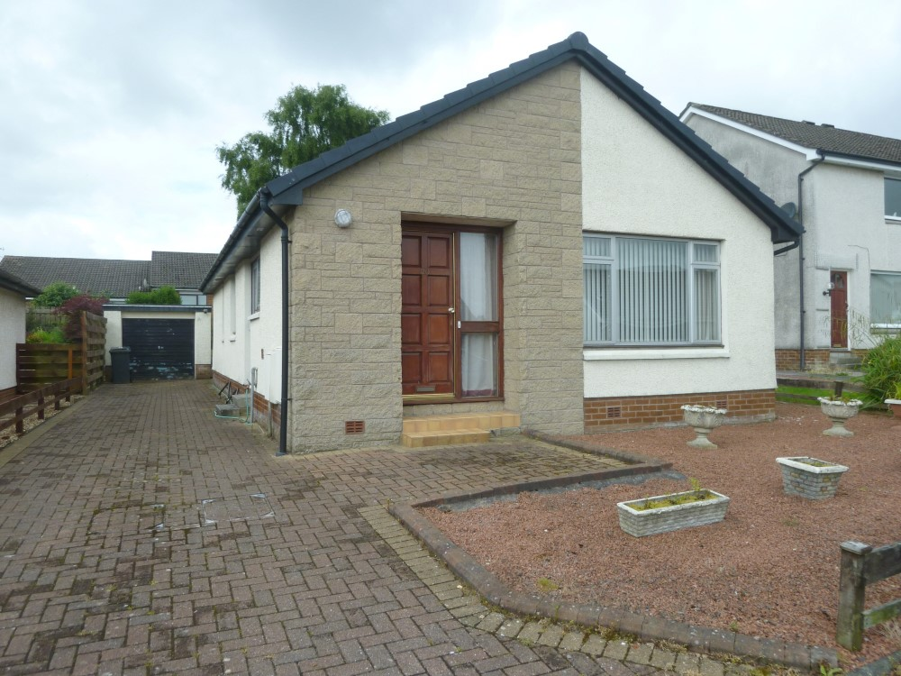 20 Oakfield Drive, Dumfries, DG1 4PD - Braidwoods Solicitors & Estate Agents