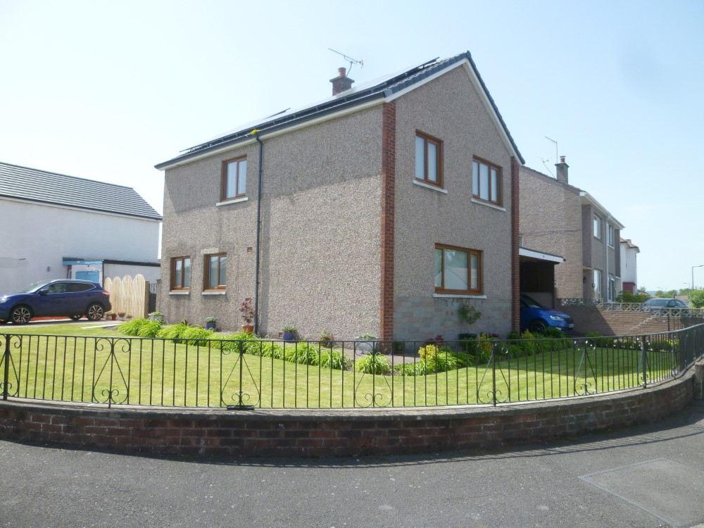 9 Hardthorn Crescent, Dumfries, DG2 9HS - Braidwoods Solicitors and Estate Agents