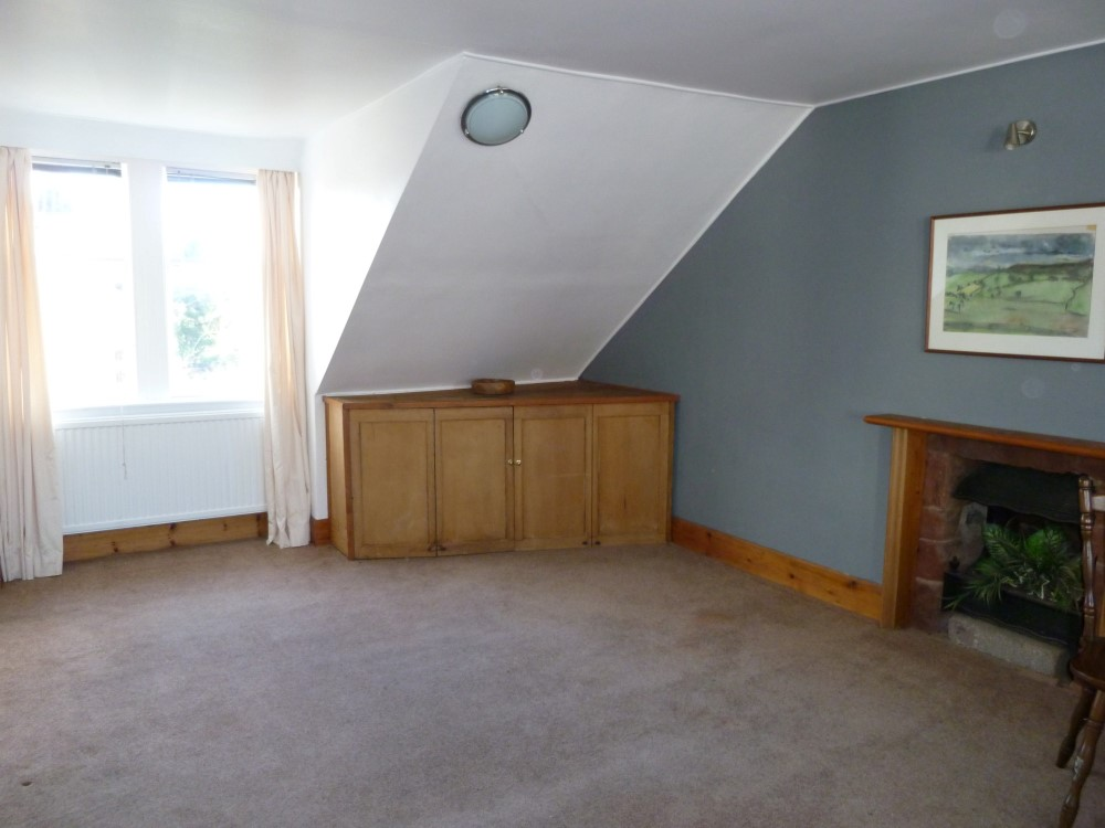 Flat 1, 22 Catherine Street, Dumfries, DG1 1JF - Braidwoods Solicitors and Estate Agents