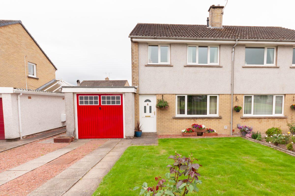 3 Downs Way, Heathhall, Dumfries, DG1 3RE - Braidwoods Solicitors & Estate Agents